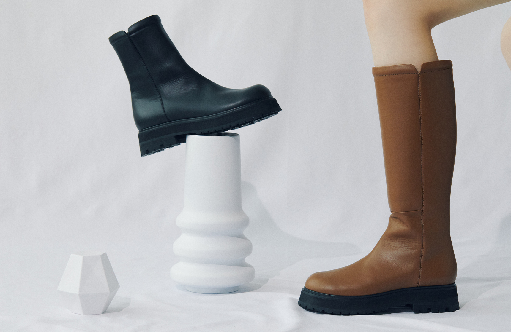 Active and elegant rubber sole boots